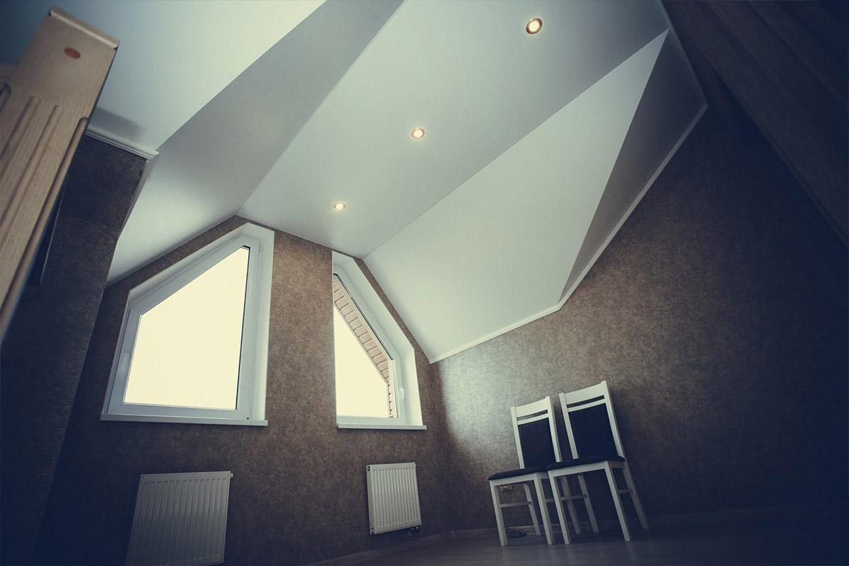 фотографии потолков с неровными углами новый